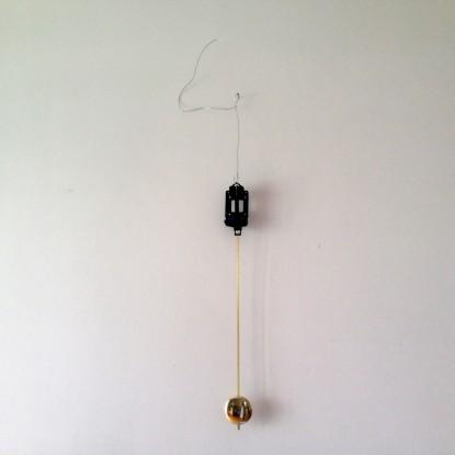 3 Pendelwerke (Pendelwerk 3), 2015, 90cm, Keramik, Messing, Pendelwerk