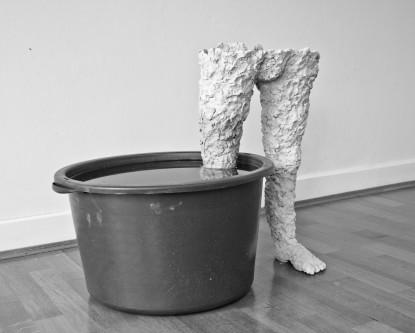 o.T., 2015, Höhe 60cm, Ton, Plastiktonne, Wasser
